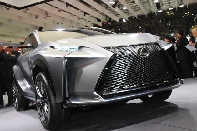 LEXUS(レクサス)「NX」のベース車である「LF-NX」 ※画像は東京モーターショー2013のもの フロントグリル