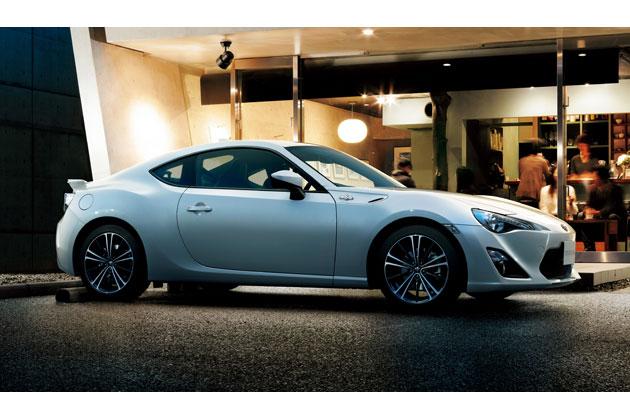 """トヨタ「86」/GT""""Limited""""(ボディカラー:クリスタルホワイトパール)オプション装着車"""