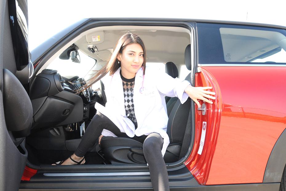 BMW 新型MINI/青山めぐの新型車診察しちゃうぞ!