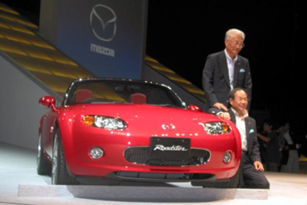 伊巻久一 代表取締役 社長兼CEOとOと、貴島孝雄 新型ロードスター開発主査とロードスター
