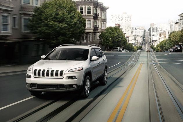 新型 Jeep Cherokee(ジープ・チェロキー)・Longitude(ロンジチュード)/走行イメージ