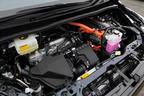 トヨタ 新型ヴォクシーハイブリッド 燃費レポート/エンジンルーム