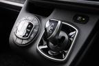 トヨタ 新型ヴォクシーハイブリッド 燃費レポート/シフトノブ