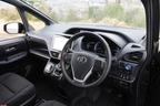 トヨタ 新型ヴォクシーハイブリッド 燃費レポート/インパネ