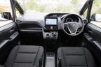 トヨタ 新型ヴォクシーハイブリッド 燃費レポート/インテリア