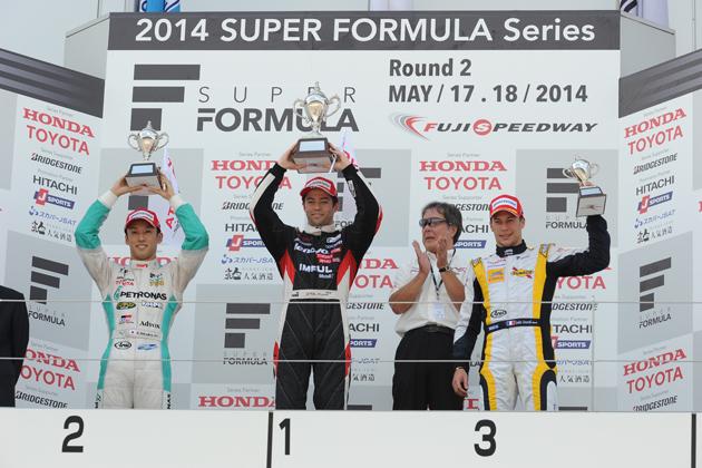 レース1 優勝:ジョアオ・パオロ・デ・オリベイラ  2位:中嶋 一貴 3位:ロイック・デュバル /2014 スーパーフォーミュラ第2戦富士
