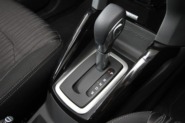 フォード エコスポーツ タイタニアム[2WD] インテリア
