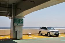 トヨタ 新型ハリアー(ガソリンモデル・ELEGANCE)の高速道路燃費測定中/海ほたるにて2