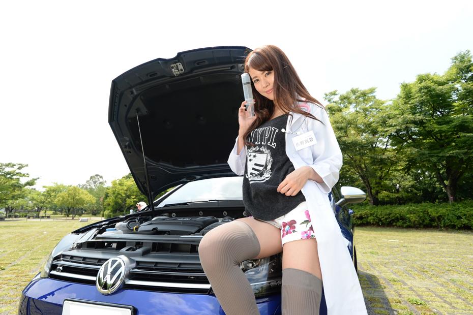 【女医】フォルクスワーゲン ゴルフR/佐野真彩の新型車診察しちゃうぞ!