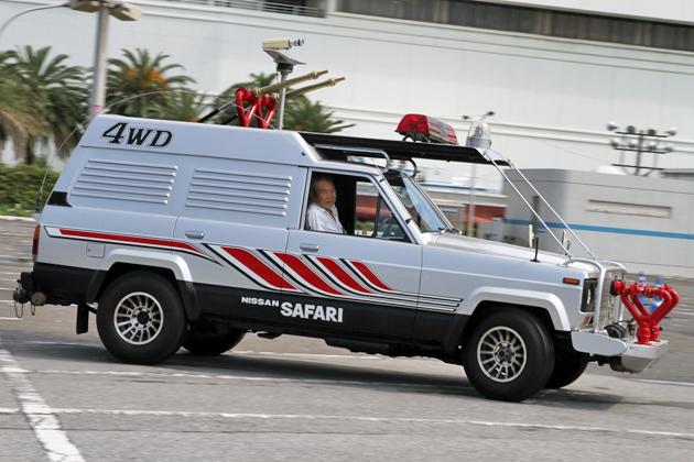 西部警察「日産 サファリ 4WD」、 ゲン(苅谷俊介)の運転で30年ぶりの緊急出動!