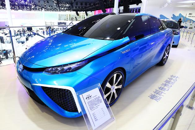 トヨタ 新型 水素燃料電池車「FCV」新型車解説/渡辺陽一郎