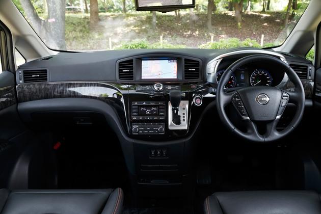 日産 エルグランド「スマートルームミラー」装着車 新型車解説