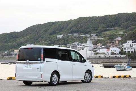 人気No.1のミニバンは、究極のデートカーとしても重宝する(はず)!本日は中村葵ちゃんと葉山へ