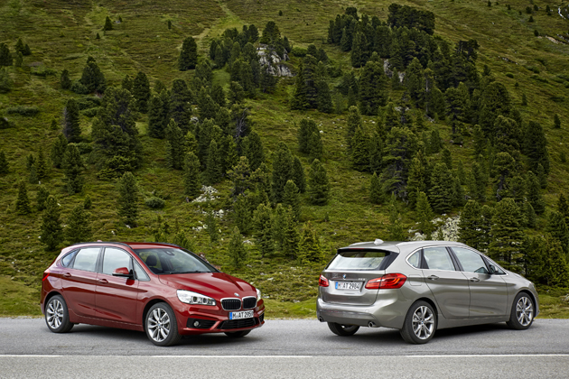 (左から)BMW 218Dアクティブツアラー/225iアクティブツアラー