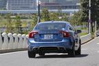 VOLVO S60 特別仕様車「S60 T4 R-DESIGN PLUS(アール デザイン プラス)」[ボディカラー:パワーブルーメタリック] 試乗レポート 8