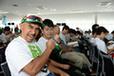 「全日本エコドライブチャンピオンシップ2014」にてオートックワンチームのマリオ高野氏とオートックワンのC君