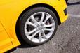 タイヤ&ホイール(225/40R18 )