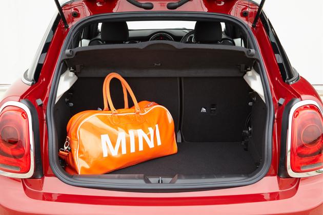 新型ミニ5ドア(F55)/Mini CooperS 5door