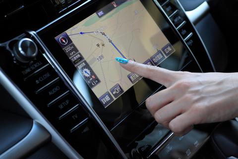静電式のタッチパネルはタブレット端末のようにサクサク操作できます