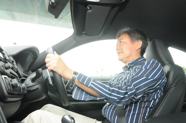 BMW 新型 M4クーペ・M3 セダン 試乗レポート/国沢光宏