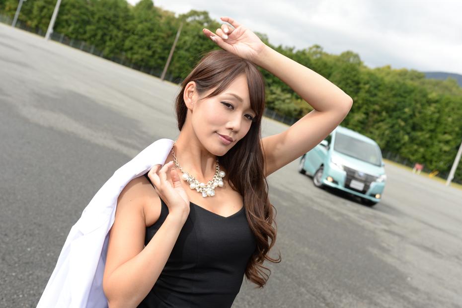 【女医】トヨタ 新型エスクァイア/渕脇レイナの新型車診察しちゃうぞ!