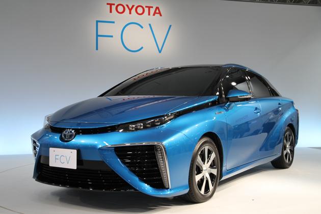 「トヨタ FCV 発表会」に展示されたトヨタ 新型燃料電池自動車「FCV」