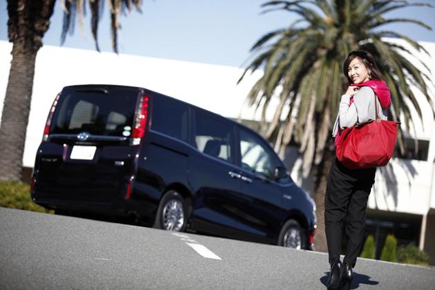 トヨタ 新型ミニバン「エスクァイア」試乗レポート/吉田由美