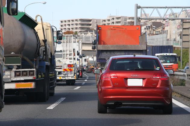 【燃費】日産 スカイライン ハイブリッドで「エコランチャレンジ」/竹岡圭