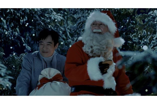 トヨタ「プリウスα」新CM「クリスマス・大騒動」篇