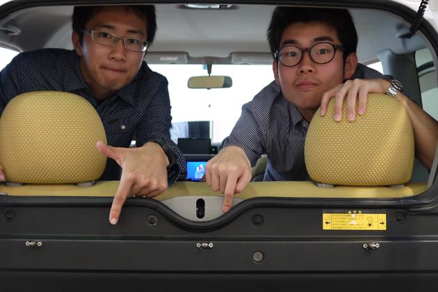 今回参加してくれた学生カーソムリエの竹内さん(左)と藏人さん(右)