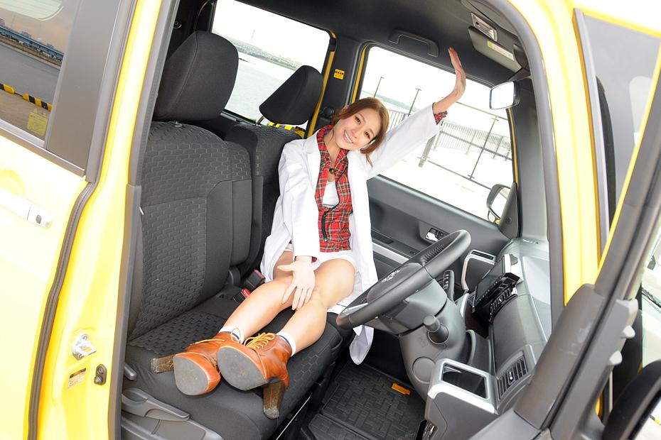 【女医】ダイハツ WAKE(ウェイク)/立花サキの新型車診察しちゃうぞ!