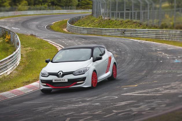 ルノー・ジャポン、「オートサロン2015」にニュル最速モデルなどを出展