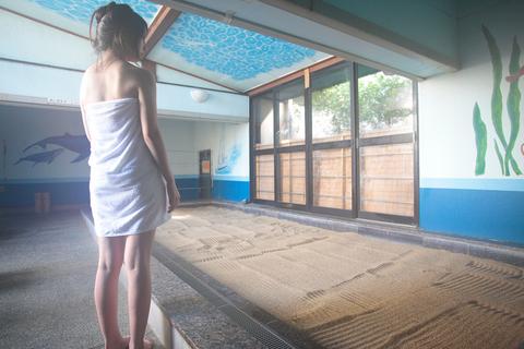 身体を芯から温める「砂風呂」も美容効果が高い。