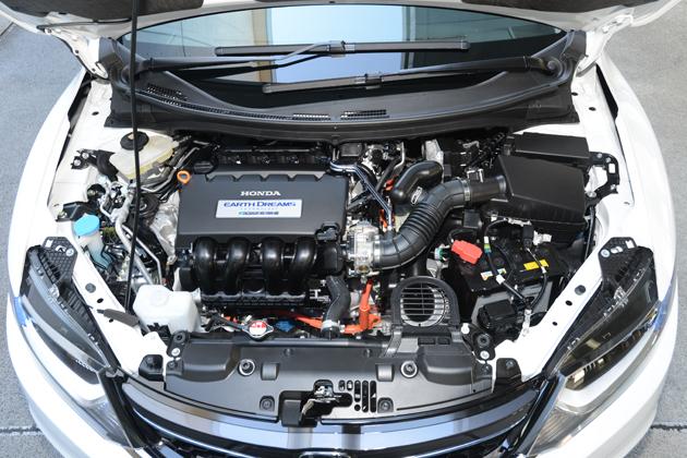 ホンダ 新型ジェイド ハイブリッド  1.5リッター DOHC i-VTECエンジン