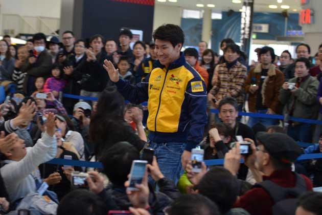 12年ぶりに国内レース復帰の小林可夢偉、チームルマンファンイベントに登場!