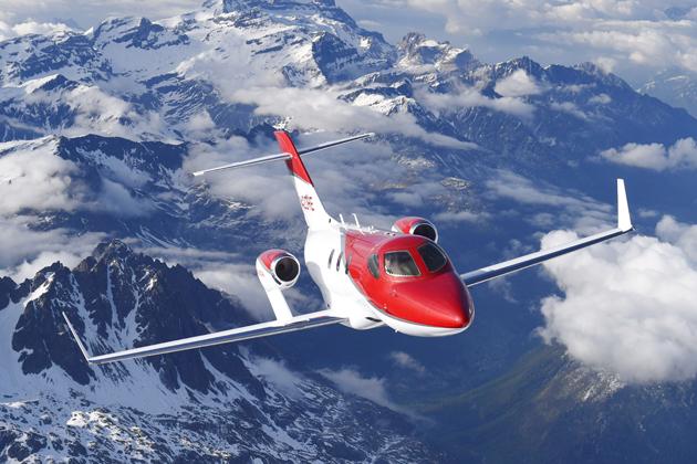 アルプス山脈上空を飛行中のHondaJet