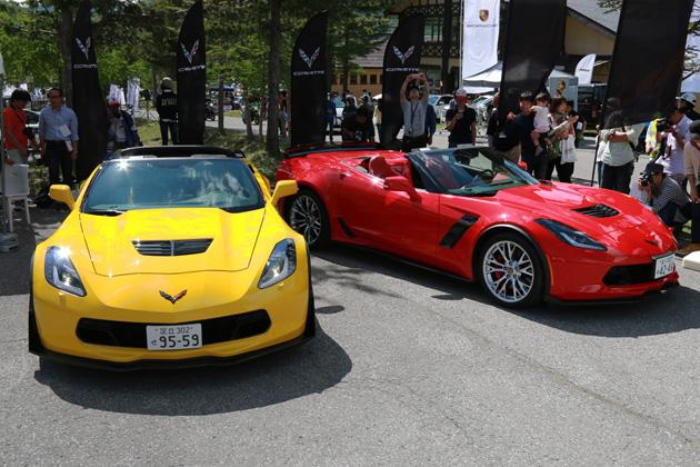 (左)シボレーコルベット Z06クーペ(右)シボレーコルベット Z06コンバーチブル