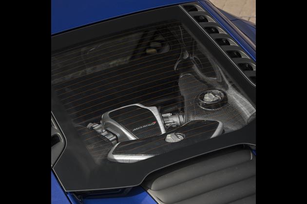 3.8 リッター ツインターボ V8 ガソリン・エンジン「M838T」