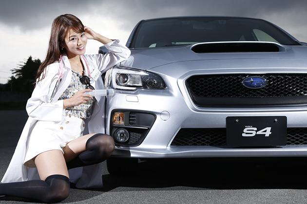 美女×スポーツカー「スバル WRX」佐野真彩さん