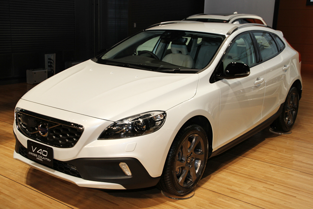 VOLVO V40 CROSS COUNTRY DIESEL