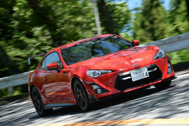 「レーシングカー」の驚きを体感出来るハチロク!?/TRD 14R-60・14R(トヨタ 86 コンプリートカー)試乗レポート