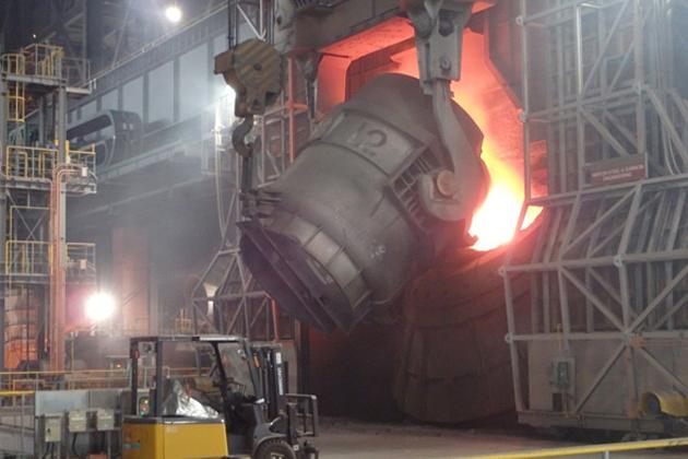 新溶銑処理工場内の既設脱りん炉