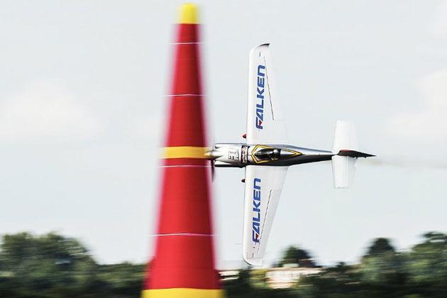 室屋義秀選手(Team FALKEN)/「Red Bull Air Race World Championship」第5戦