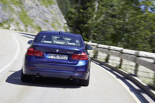 見た目はほぼ一緒!なのに乗ればビックリ! BMW 新型 3シリーズ試乗レポート