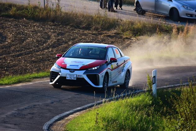 WRCドイツラリーで走った燃料電池車『ミライ』