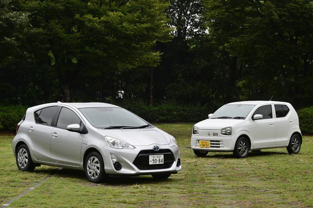 (左)トヨタ アクア/(右)スズキ アルト