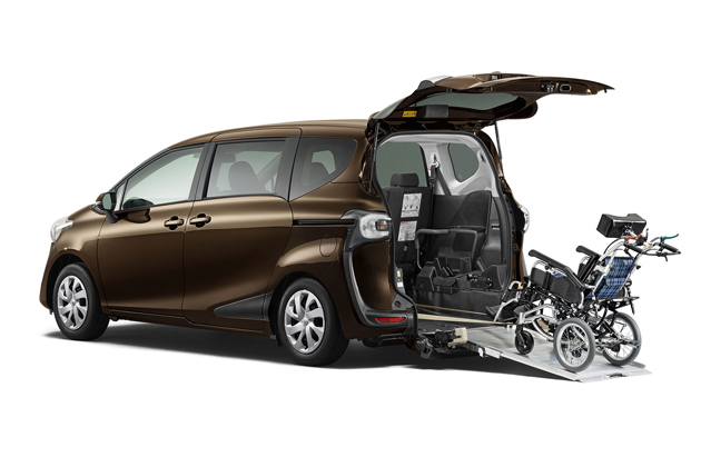 新型シエンタ 車いす仕様車タイプI(助手席側セカンドシート付)