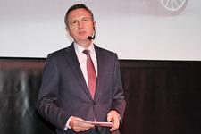 ビー・エム・ダブリュー株式会社 ペーター・クロンシュナーブル代表取締役社長