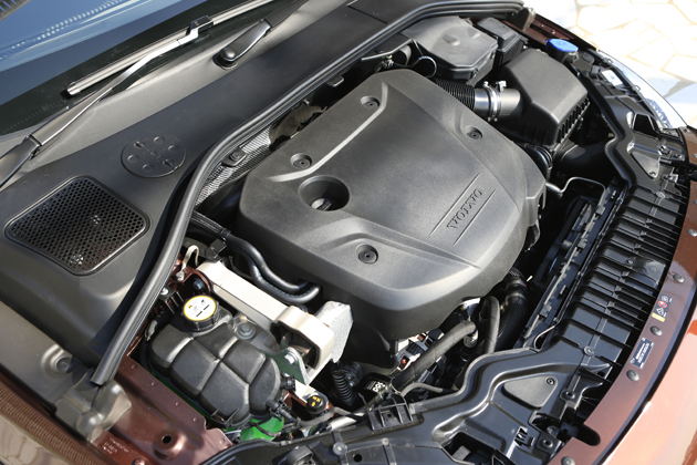 Volvo V60 Cross Country(クロスカントリー)「D4 SE」[FF/Drive-E・直列4気筒 2.0リッター ターボディーゼルエンジン搭載モデル]