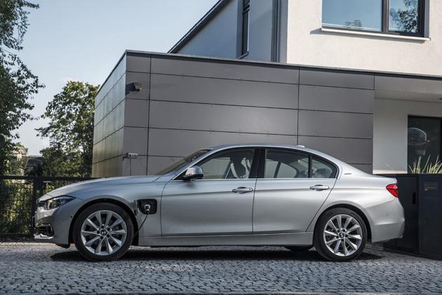 BMW 330e(3シリーズのプラグインハイブリッド)